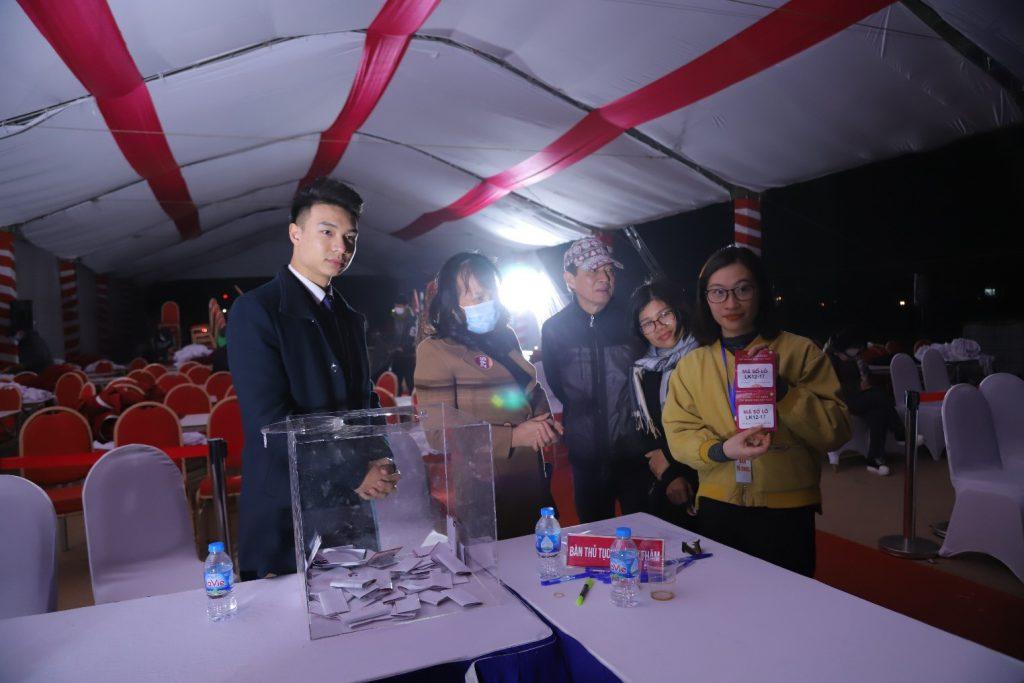 Sự quan tâm của đông đảo của người dân Thị Trấn Thắng dành cho dự án TNR Stars Thắng City, chủ đầu tư và TNR Holdings VietNam (thành viên của tập đoàn TNG Holdings) theo nguyên vọng của bà con đã kéo dài chương trình đến 19h00 ngày 21/12/2020