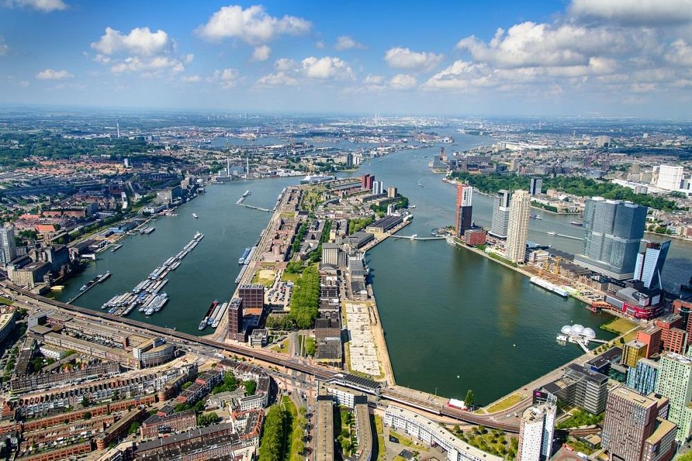 Thành phố Rotterdam, Hà Lan khu kinh tế ven biển lớn nhất châu Âu.