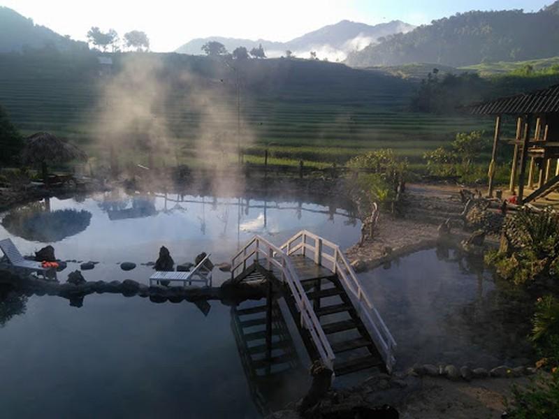 Tiềm năng về suối khoáng nóng với nhiệt độ 50 độ C có tại Trạm Tấu, Lục Yên sẽ mở ra cơ hội phát triển chuỗi du lịch Osen theo phong cách Nhật Bản cho Yên Bái.