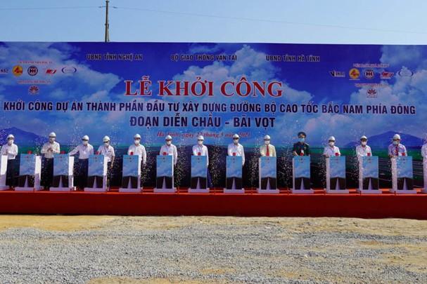 Hình ảnh lễ khởi công Cao tốc Bắc Nam phía Đông, đoạn Diễn Châu - Bãi Vọt.