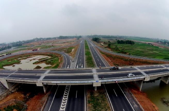 Tuyến cao tốc Hà Giang – Yên Bái – Hà Nội – Lào Cai với nút giao trực tiếp tại Yên Thế sẽ là động lực phát triển kinh tế của huyện Lục Yên, tiến tới thành lập thị xã Yên Thế của tỉnh Yên Bái